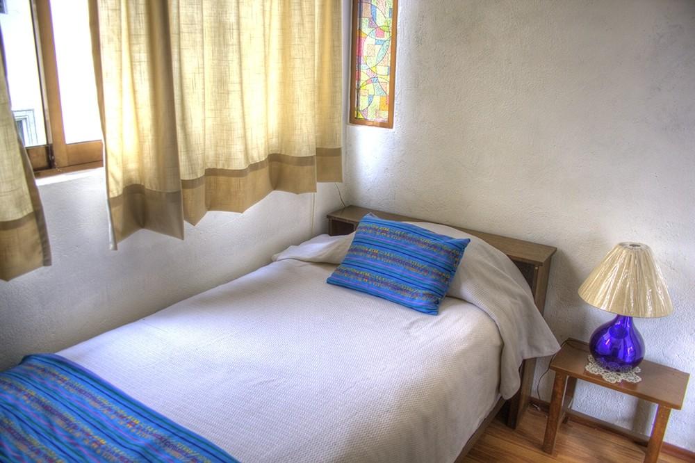 Bellas habitaciones en piso compartido en la ciudad de for Alquiler de habitacion en piso compartido