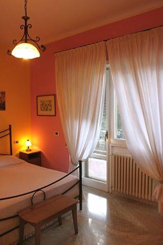 Bellissima stanza con affaccio sul balcone e bagno privato - Stanza bagno privato roma ...