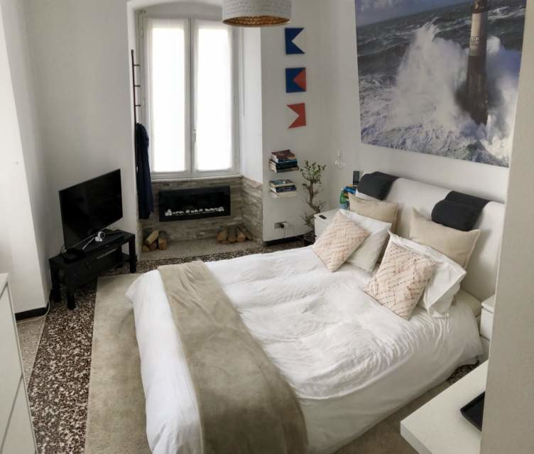 Camera Matrimoniale Con Cabina Armadio.Bellissima Stanza Matrimoniale Con Cabina Armadio In Elegante Appartamento