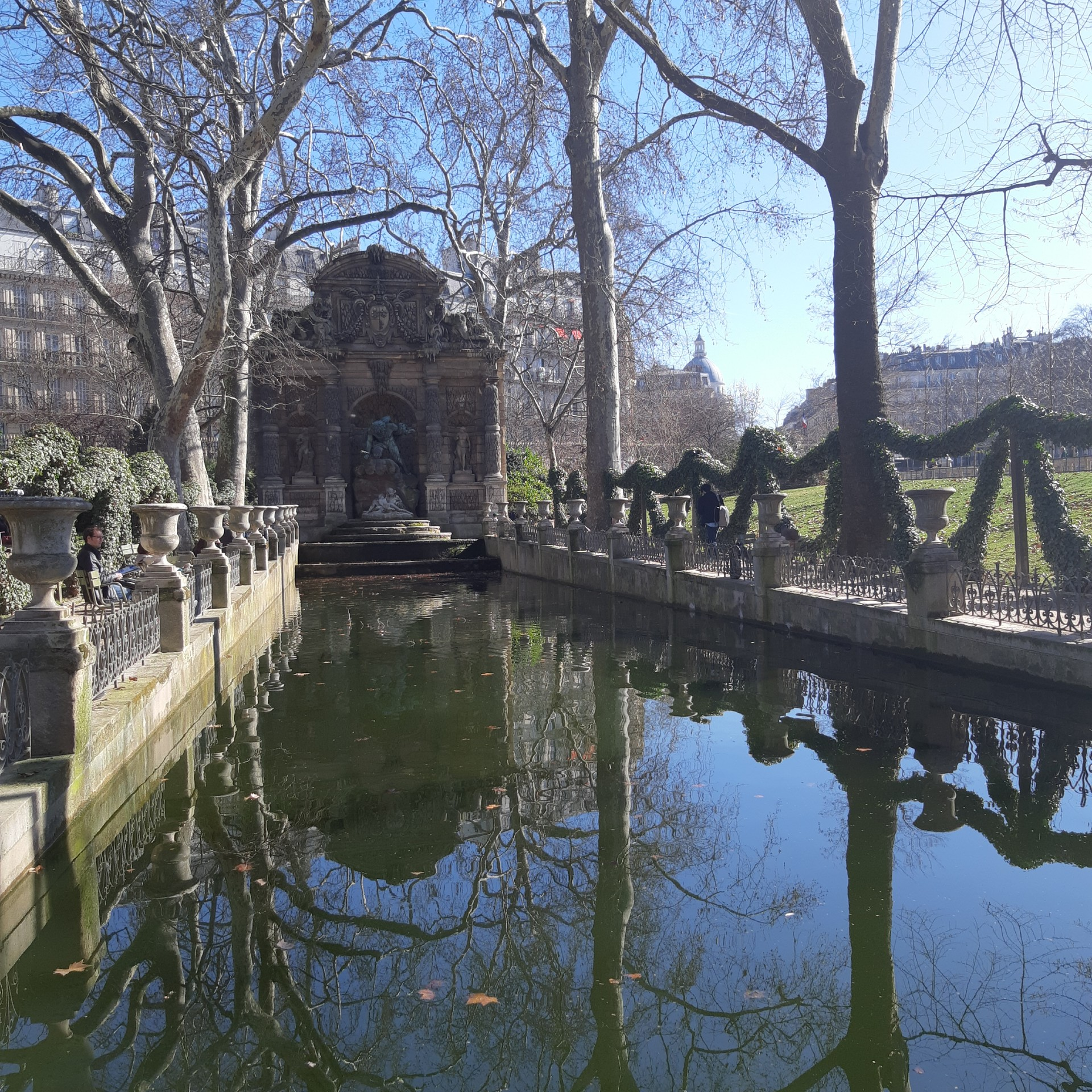 Between fountains, ducks and history