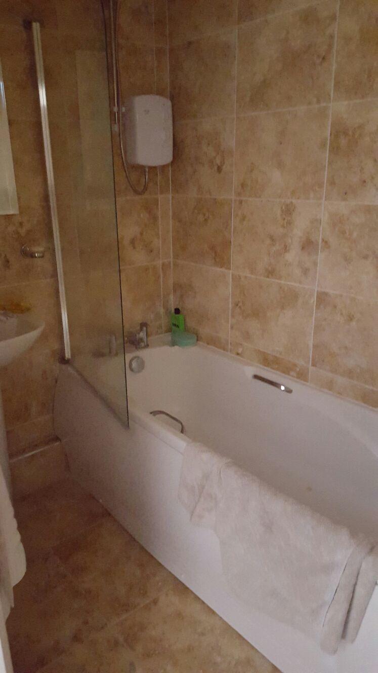 big-6-bedroom-house-dda4138d6899951e097f8ea657380e0c