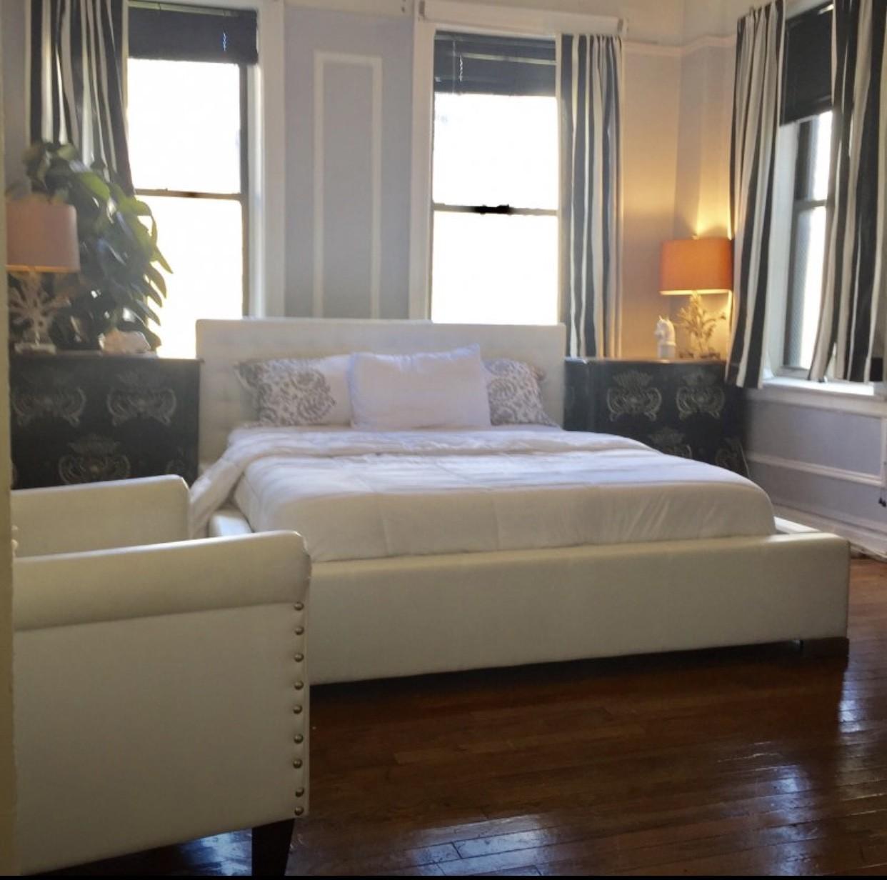Big Beautiful and Clean bedroom in Very Large Manhattan Apartmen
