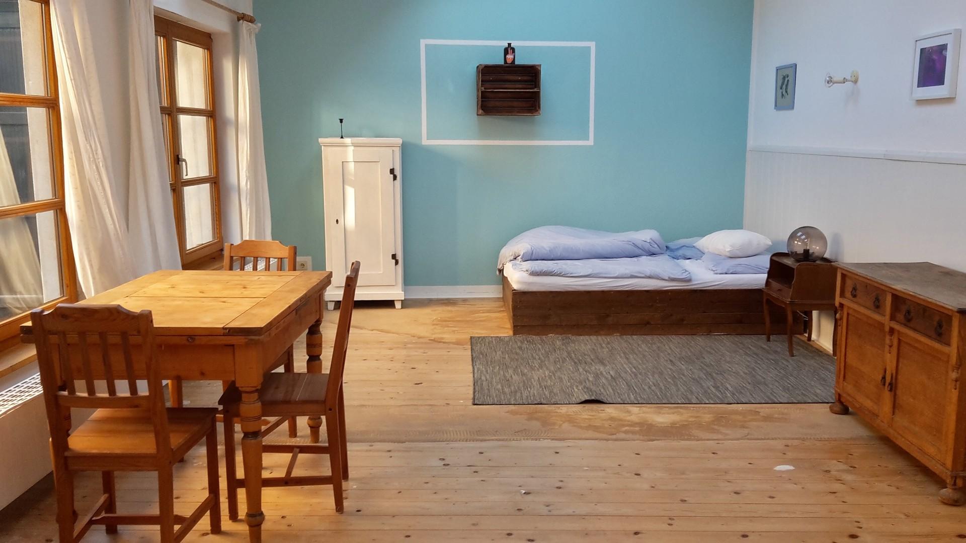 big-furnished-room-rent-5fe7505f152cf740b15ebe27d3b5732d