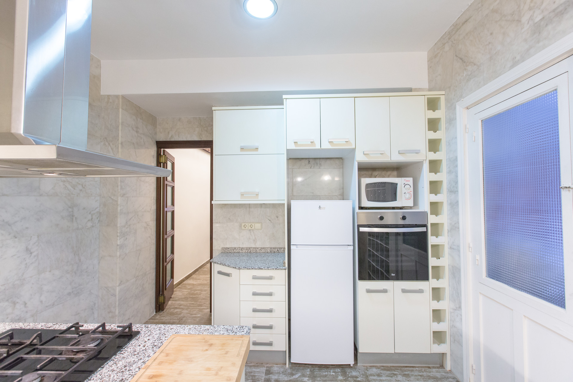 Big, modern central apartment in the heart of the city. Great tr