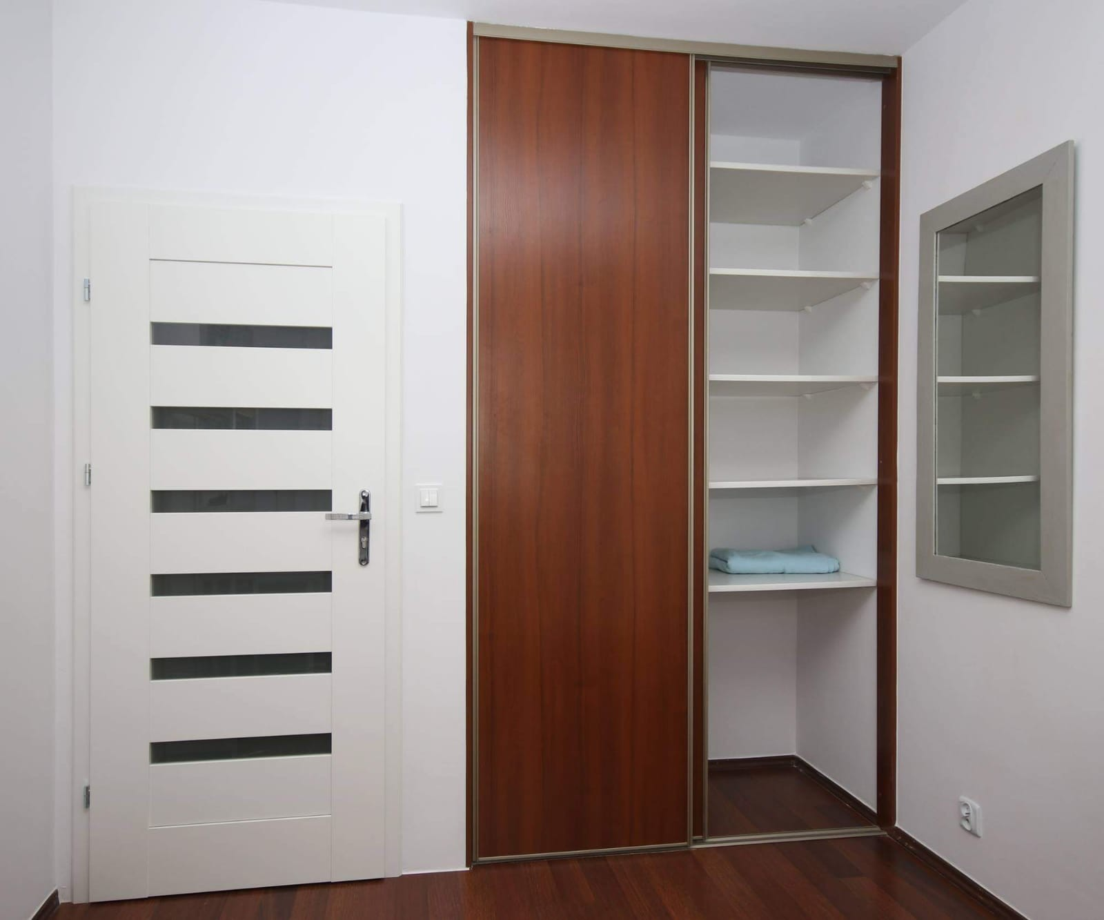 Big modern fully furnished room in scandynavian style in WARSAW