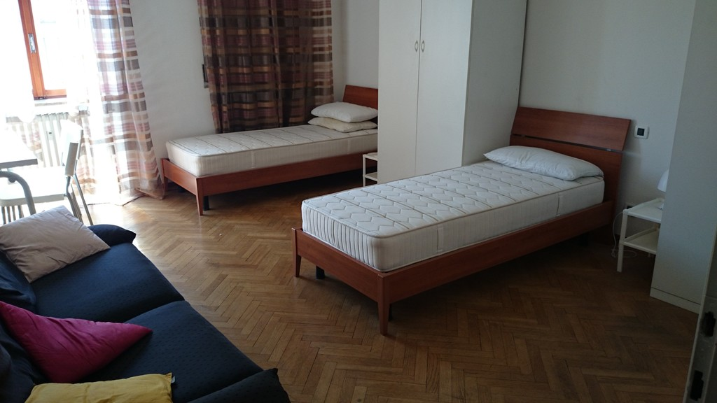 Rooms: Big Room With Two Beds In Beautiful Apartment In City
