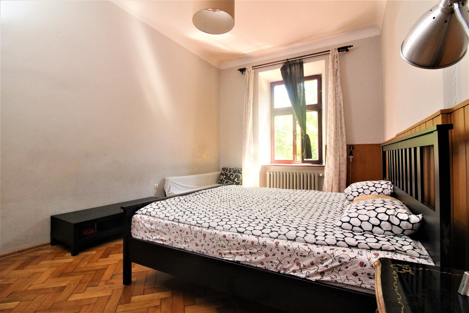 big room in the heart of Cracow (Old Town), live like a king!