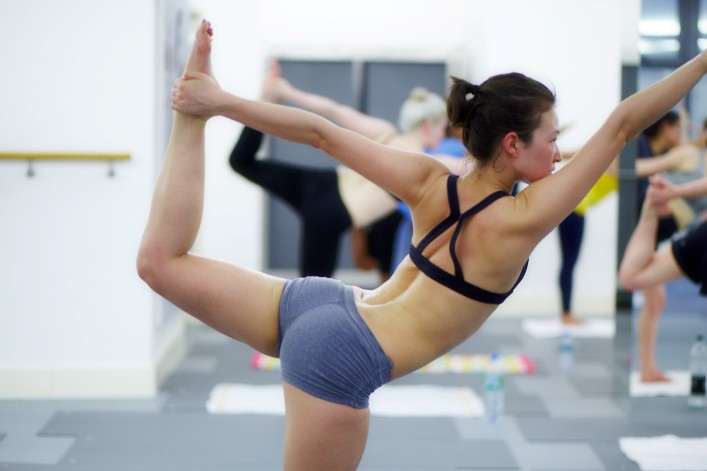 bikram-yoga-dbbefeaf505d62530675b4b04c63