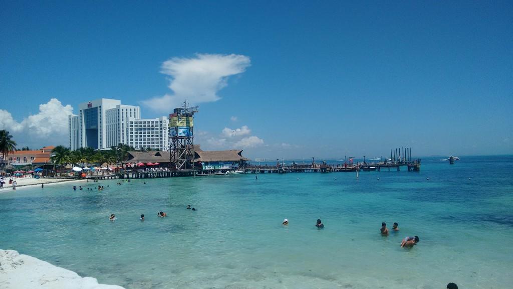 Blanca arena & mar Caribe