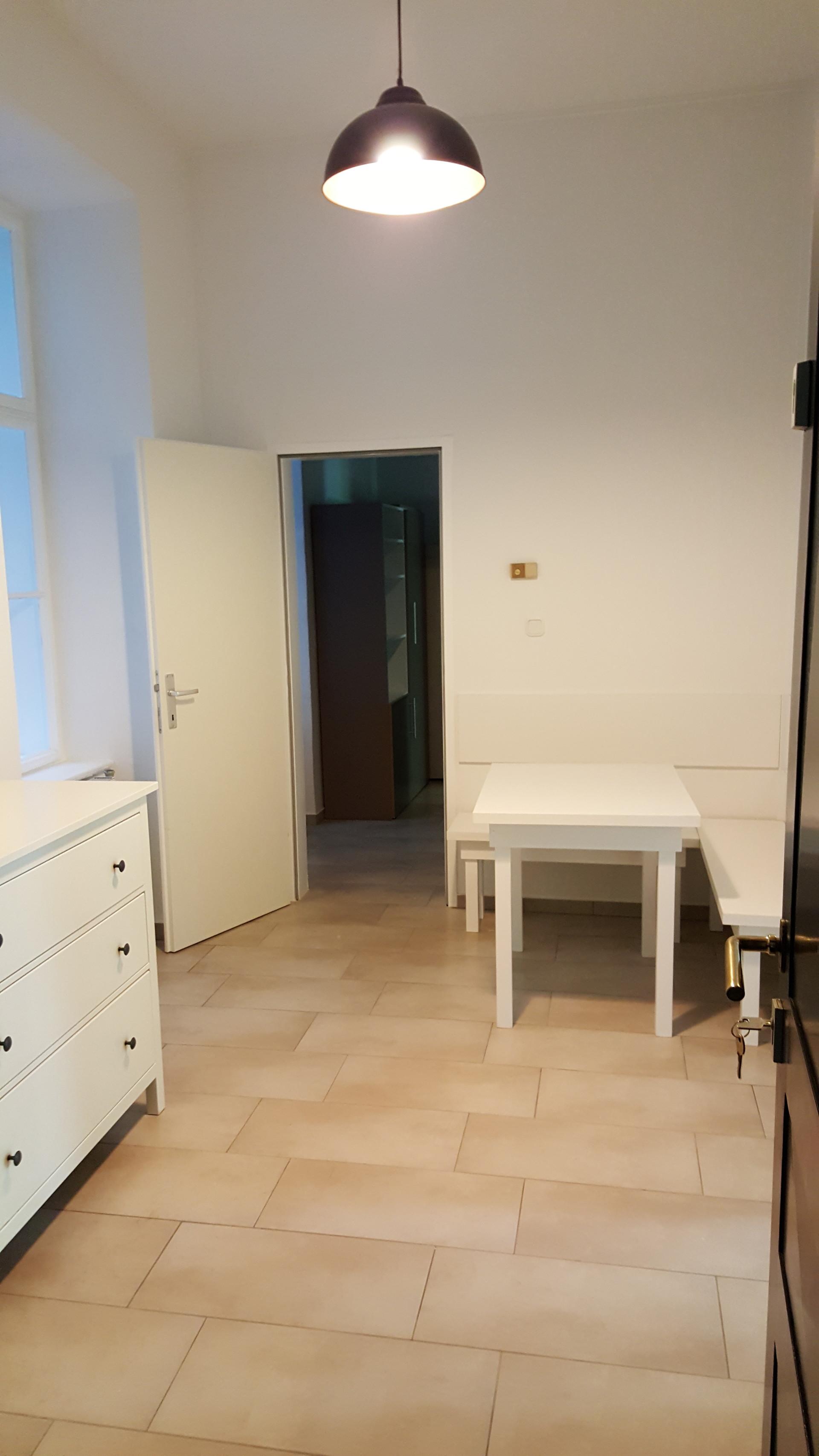 Blue & Green Stundet Studios - Neubau - 1070 Vienna | Room for rent ...