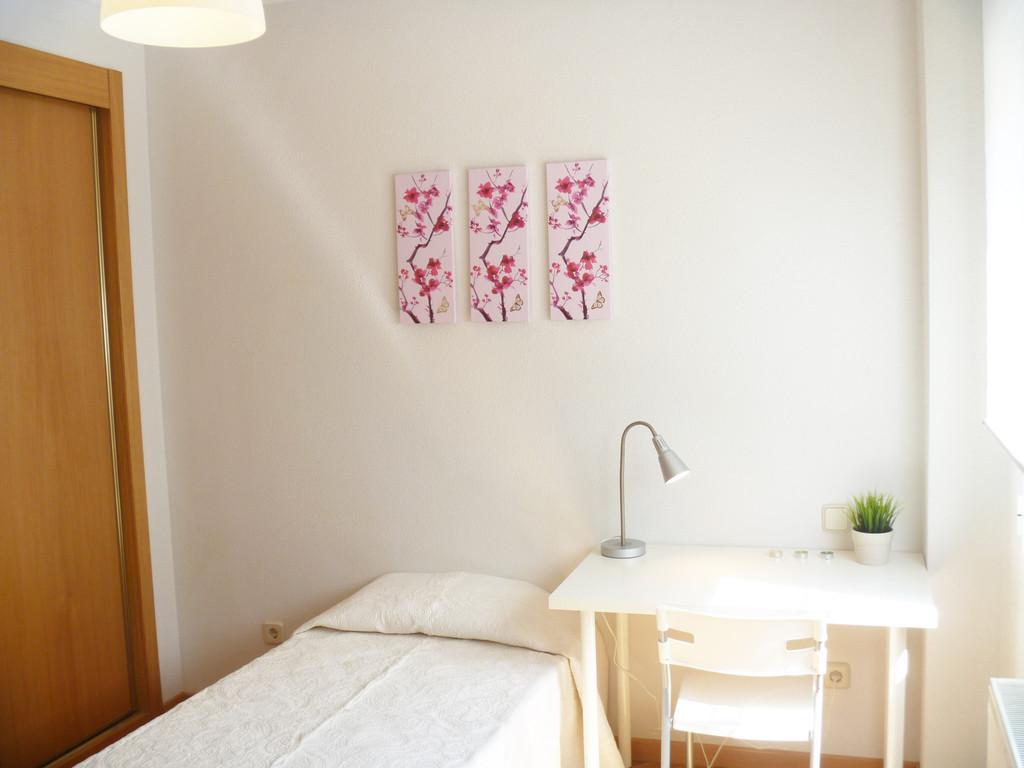 Boadilla 3 - AMAZING luxury house for students in Boadilla, PERF