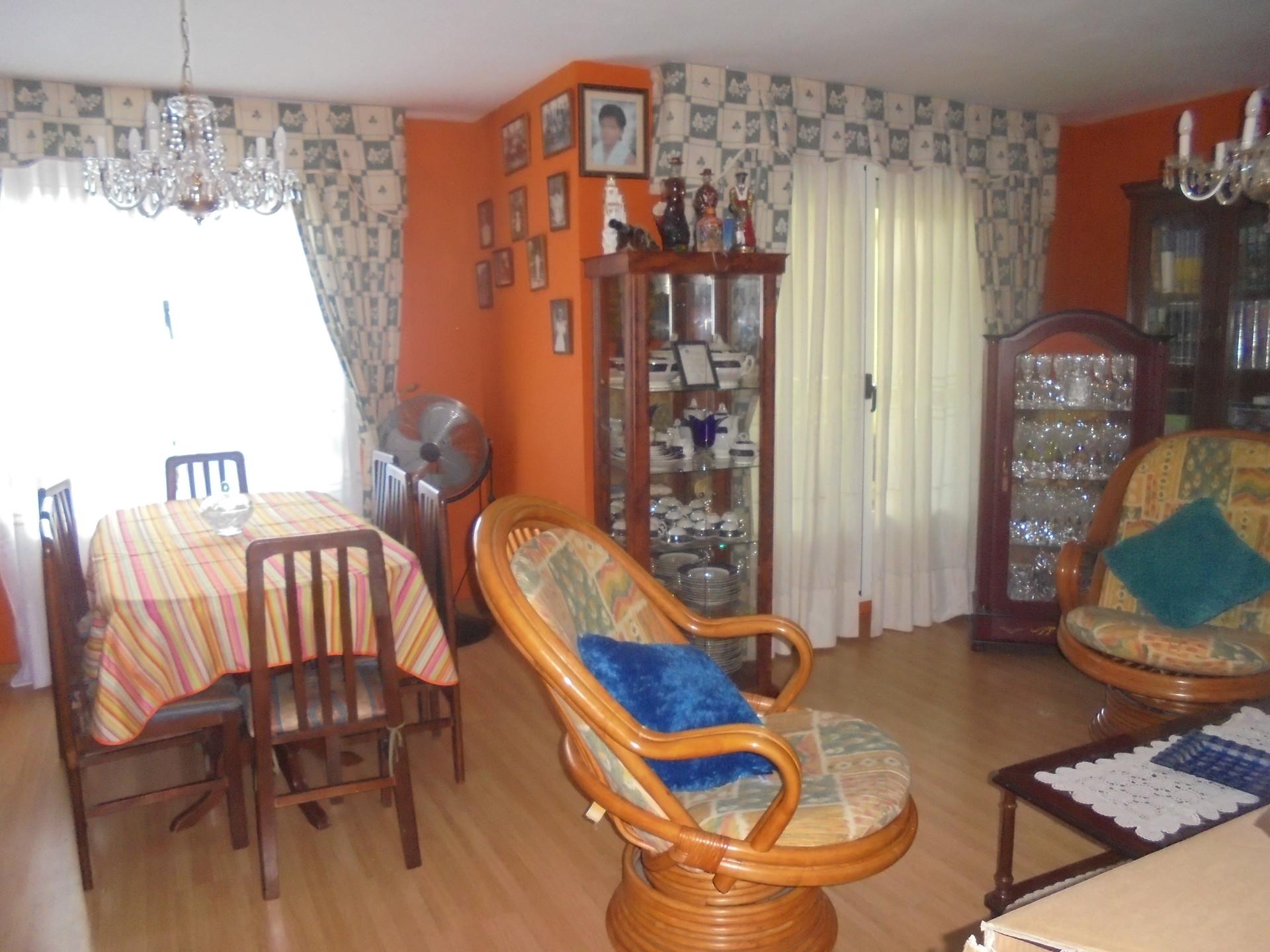 Bonita habitación en piso compartido