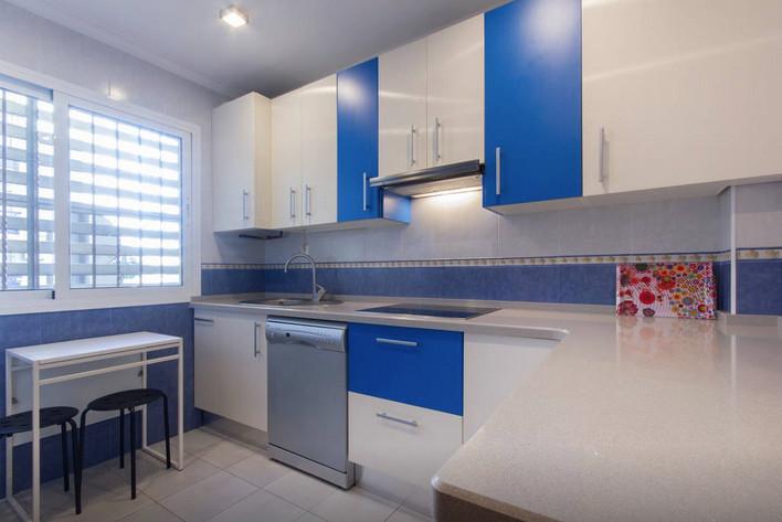 Bonita habitaci n en triana barrio t pico de sevilla for Alquiler de habitaciones en sevilla