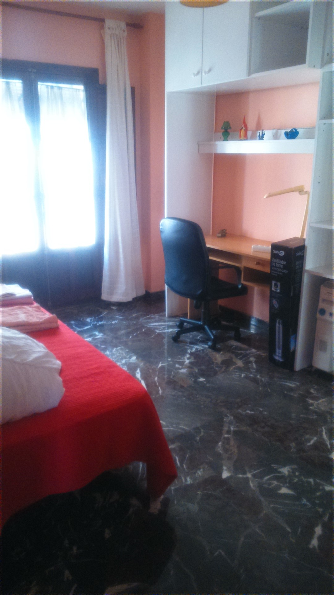 Bonito y luminoso piso centro sevilla alquiler for Piso 4 dormitorios sevilla