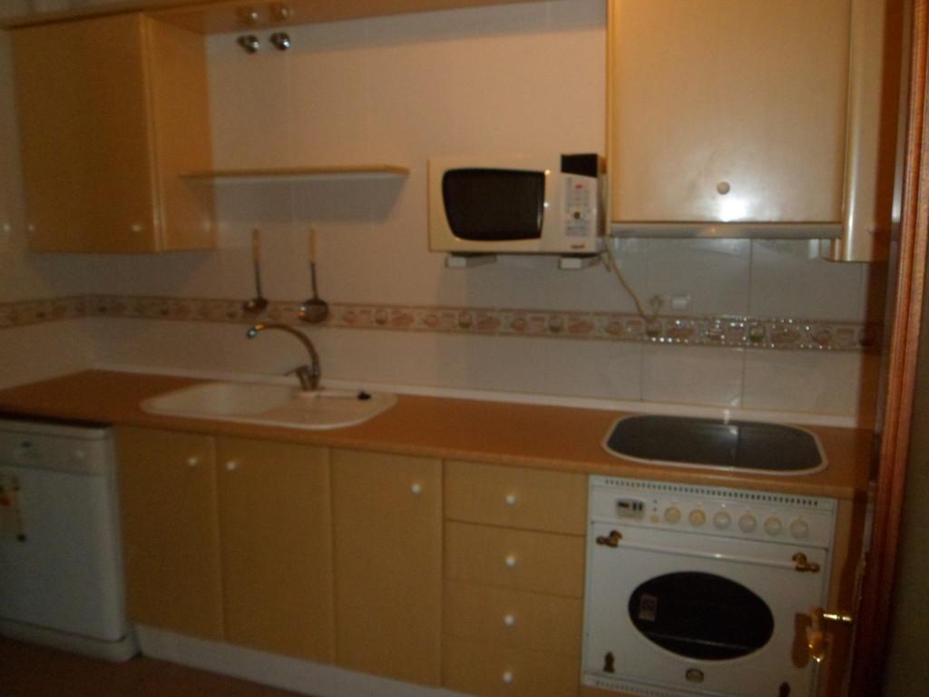Bonito piso en teatinos malaga nice flat in teatinos for Piso 4 dormitorios teatinos malaga