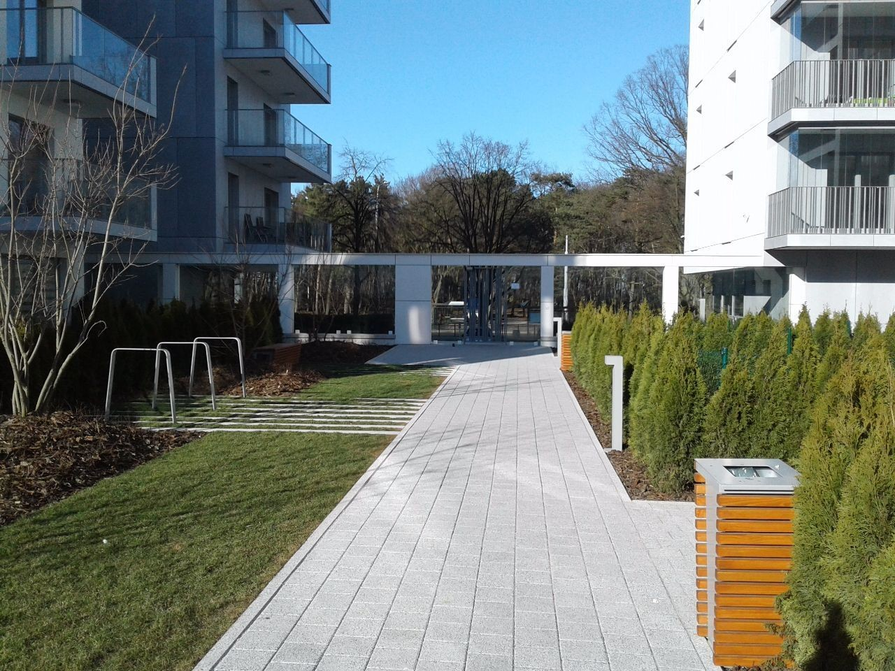 Brand new apartament with garden for long term let, 200m from th