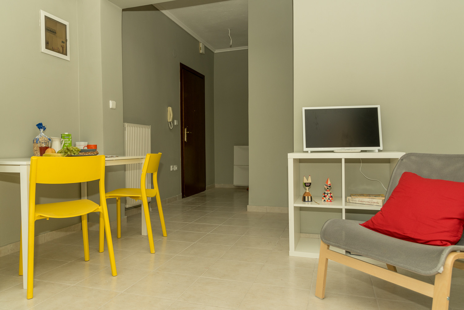 Bright , one-bedroom apartment in Thessaloniki