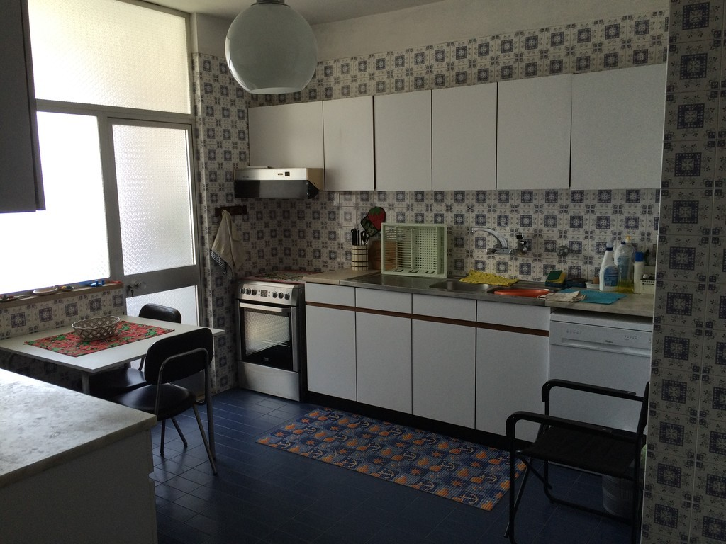 Rooms: Bright Double Room With 2 Beds In An Apartment In The