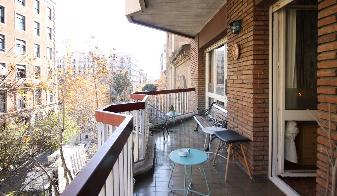 Bright room with double bed and terrace, and service pack includ