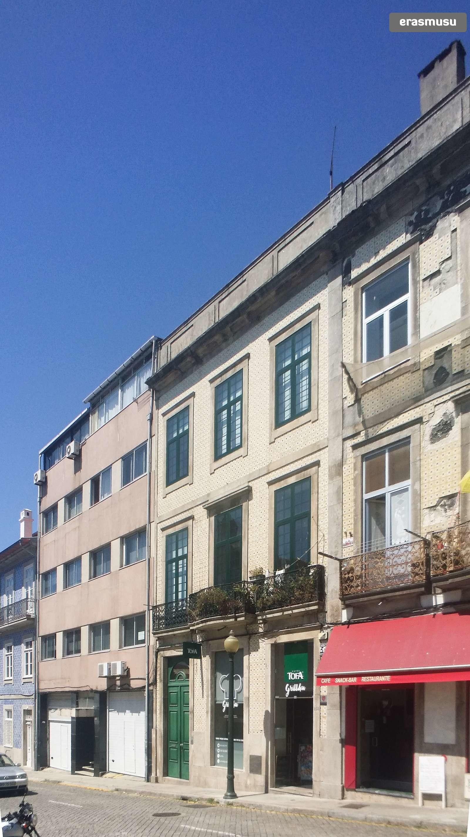 bright-studio-apartment-rent-cedofeita-43e585d50e635c65803c3ddac