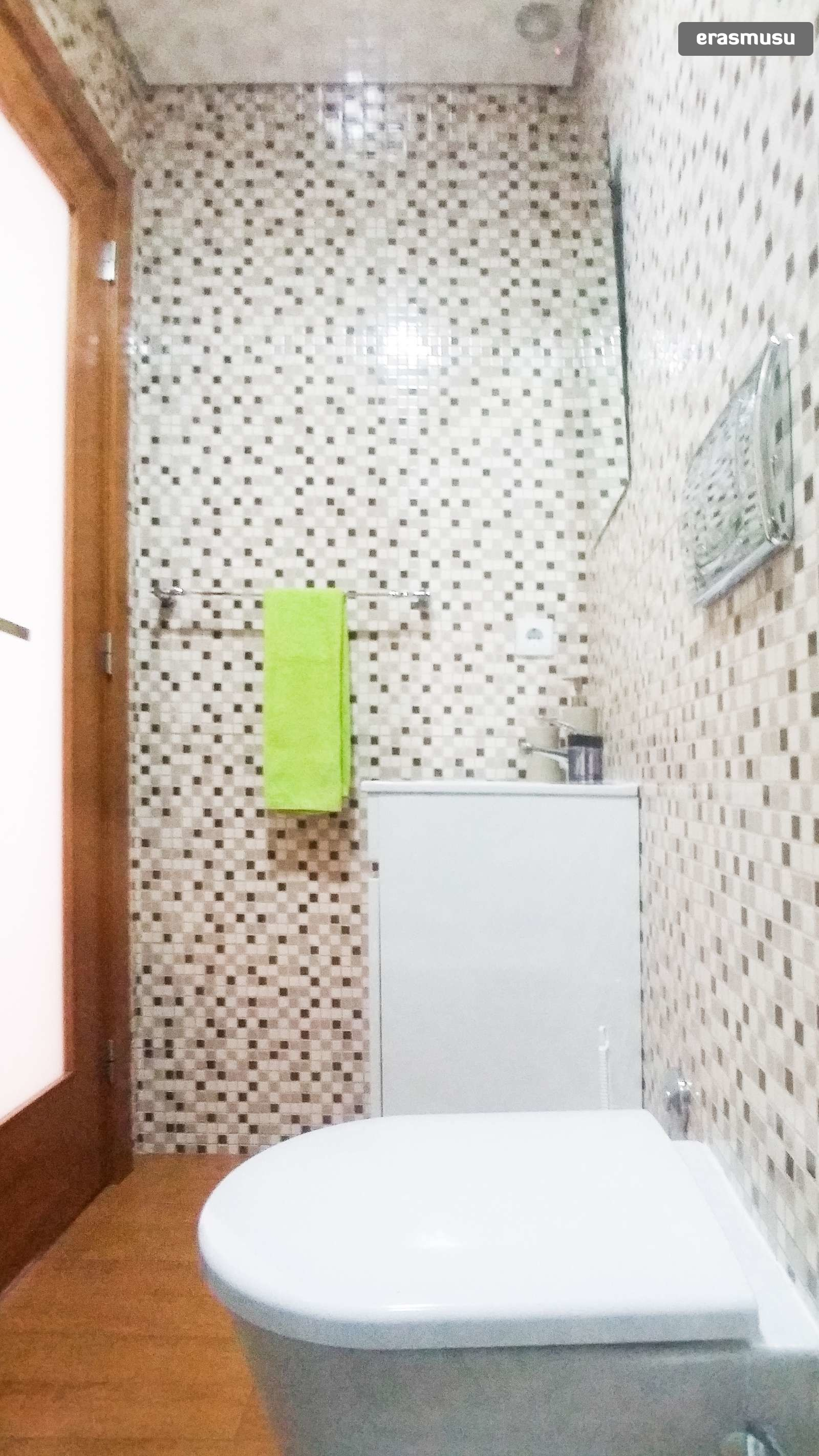 bright-studio-apartment-rent-cedofeita-5f2d5ccb087500413ea98cd9c