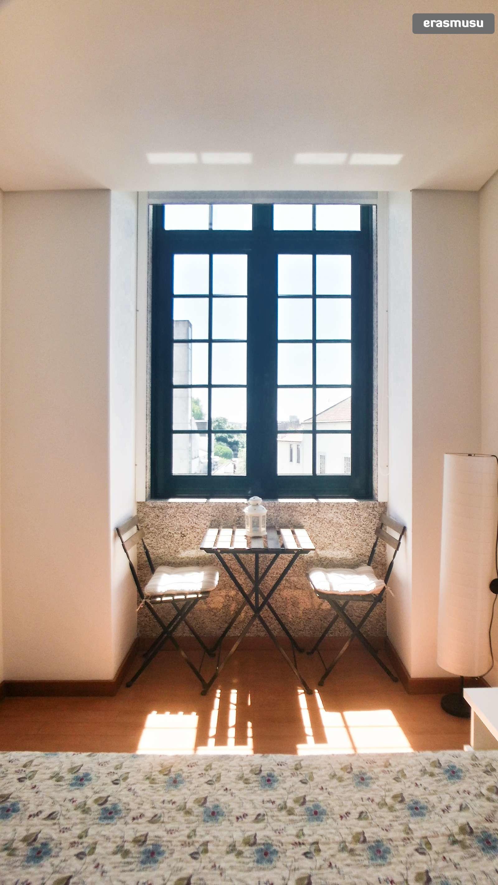 bright-studio-apartment-rent-cedofeita-dc014404a9c0bbbe5d7dd4efb