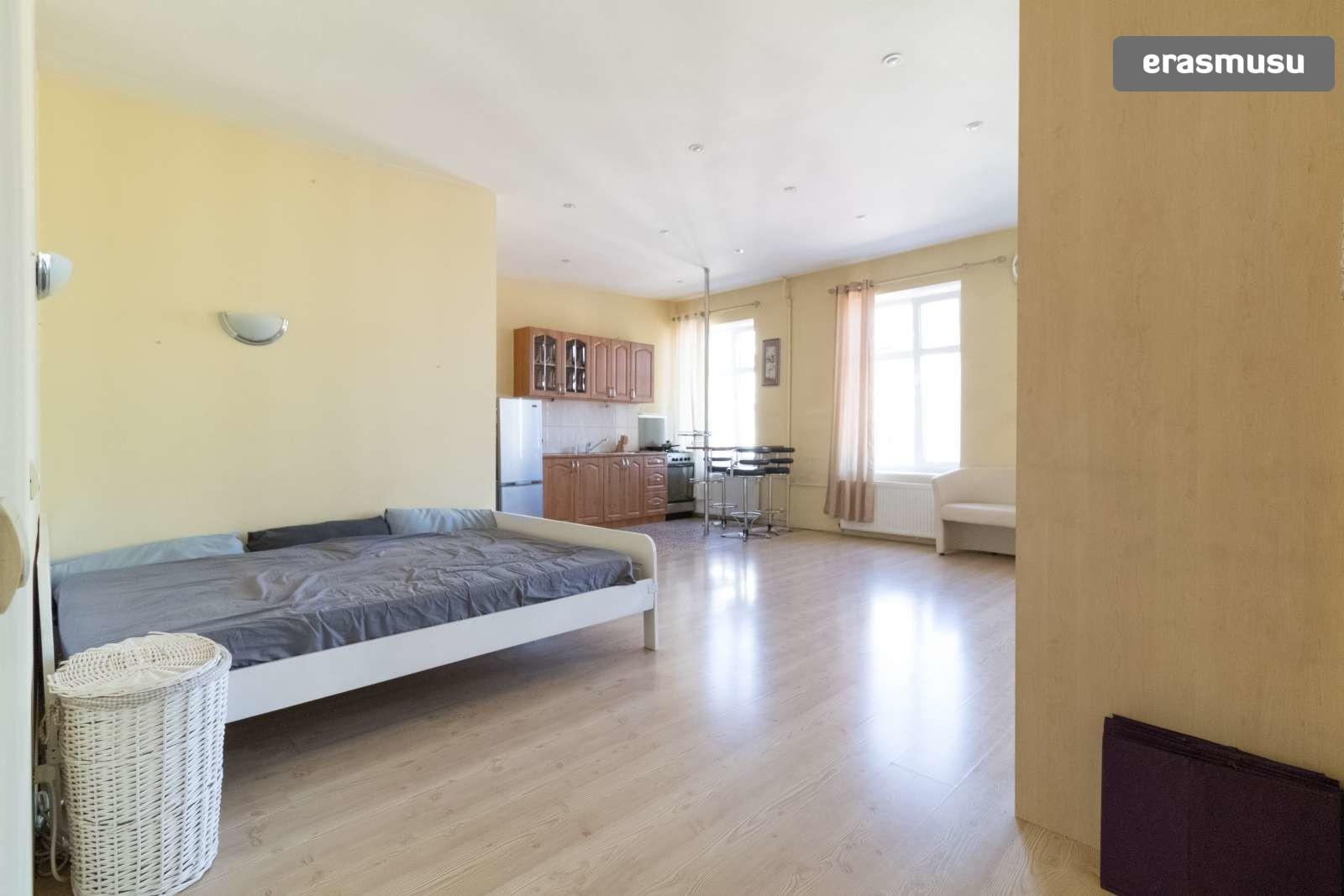 bright-studio-apartment-rent-centrs-1a1a9700f11ca9cdaec53ec10277