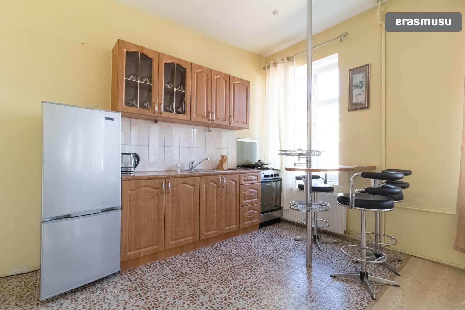 bright-studio-apartment-rent-centrs-1ffd819ed85aedde7ae49b7ed664