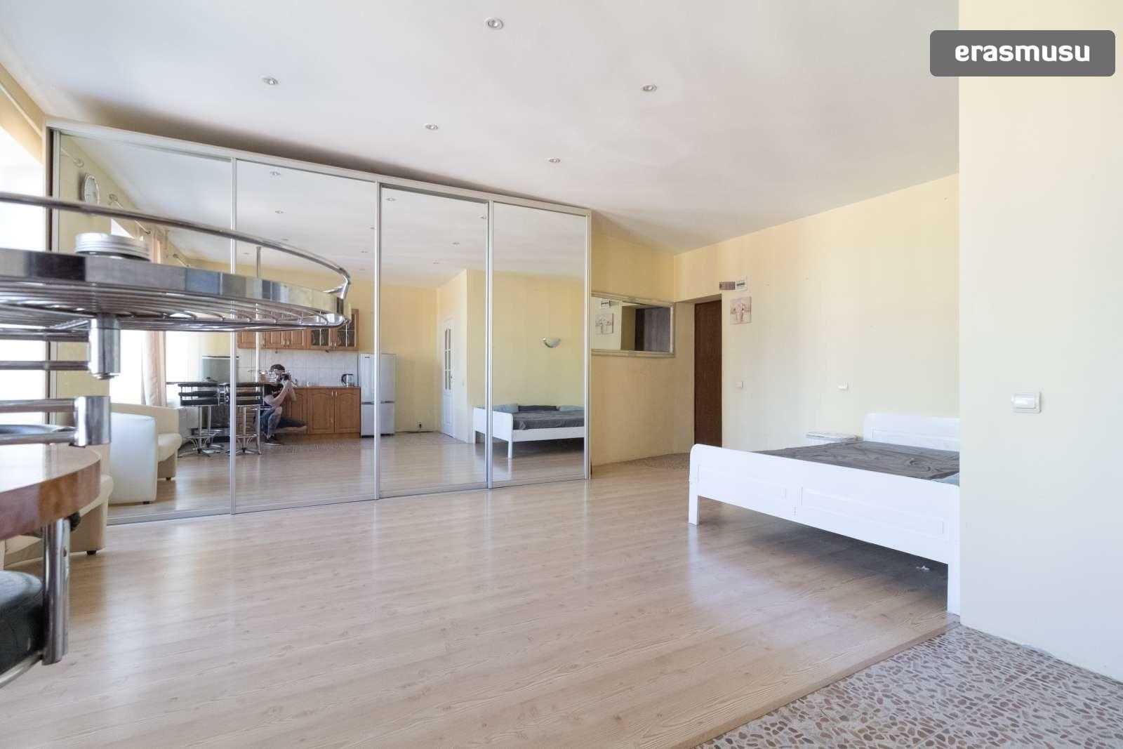 bright-studio-apartment-rent-centrs-5061df14d857467ced1c55ece161