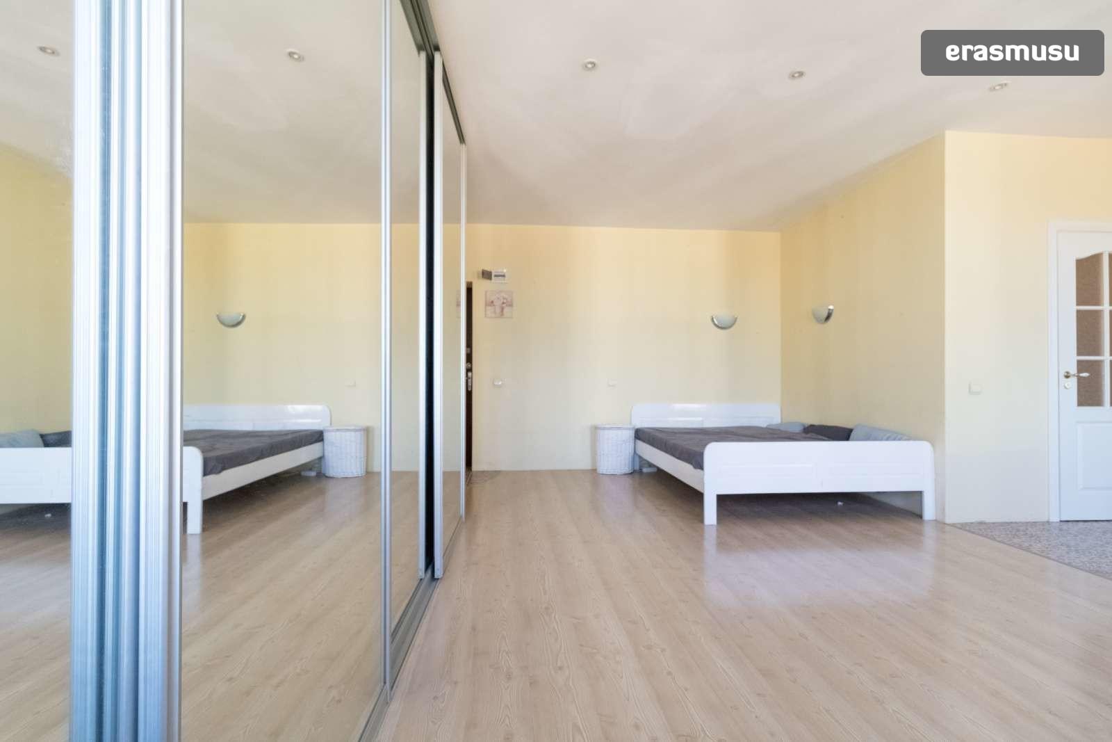 bright-studio-apartment-rent-centrs-ad1d7b0c62ccf7331672764ca5b1