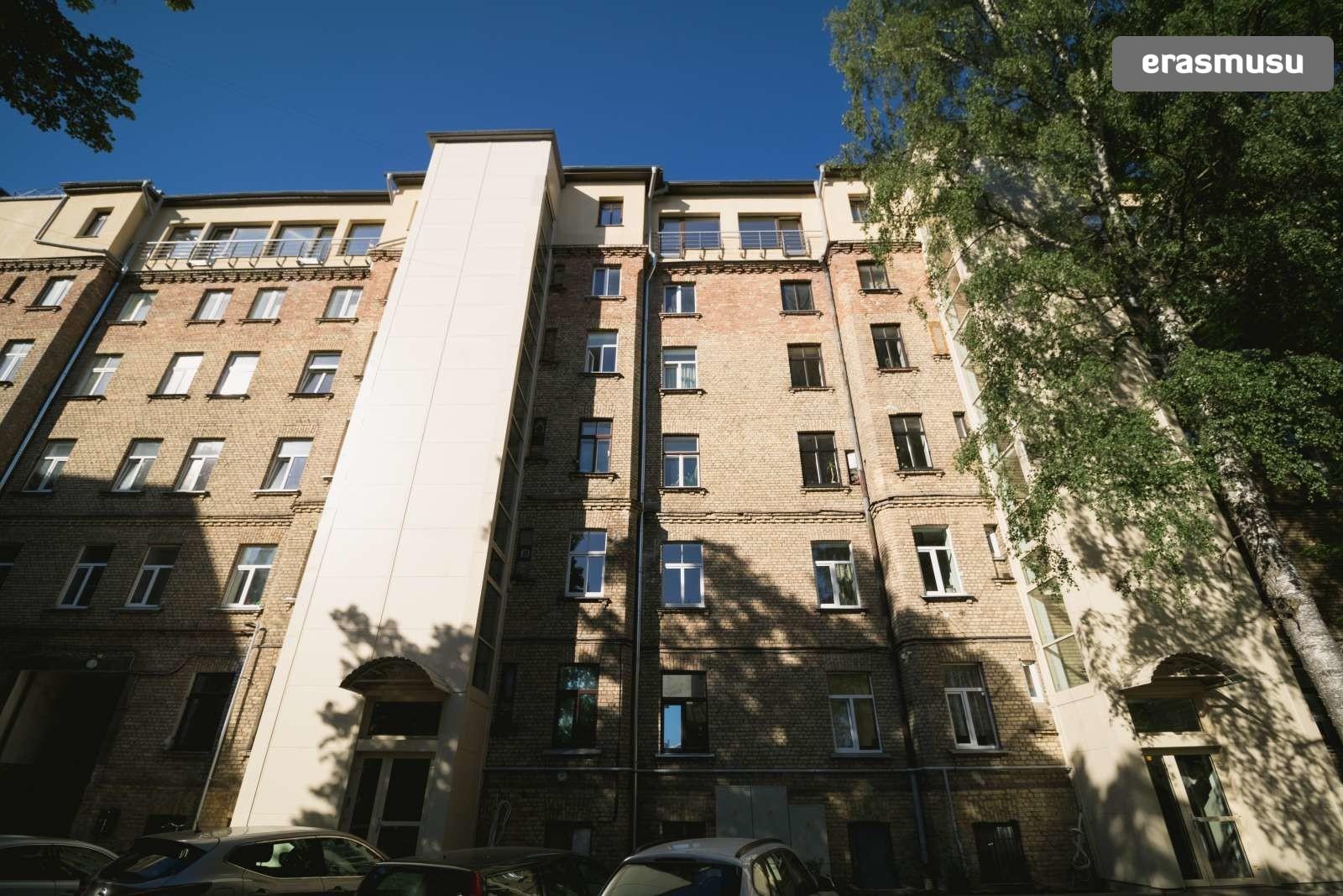 bright-studio-apartment-rent-centrs-dafe1aa355ee45d8da4911bdc46c
