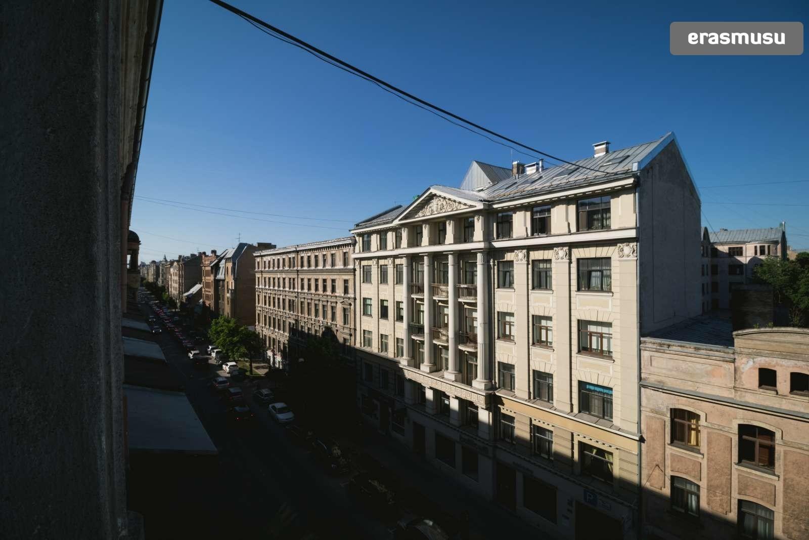 bright-studio-apartment-rent-centrs-f575b6a10b5819173a0f92a3e60e