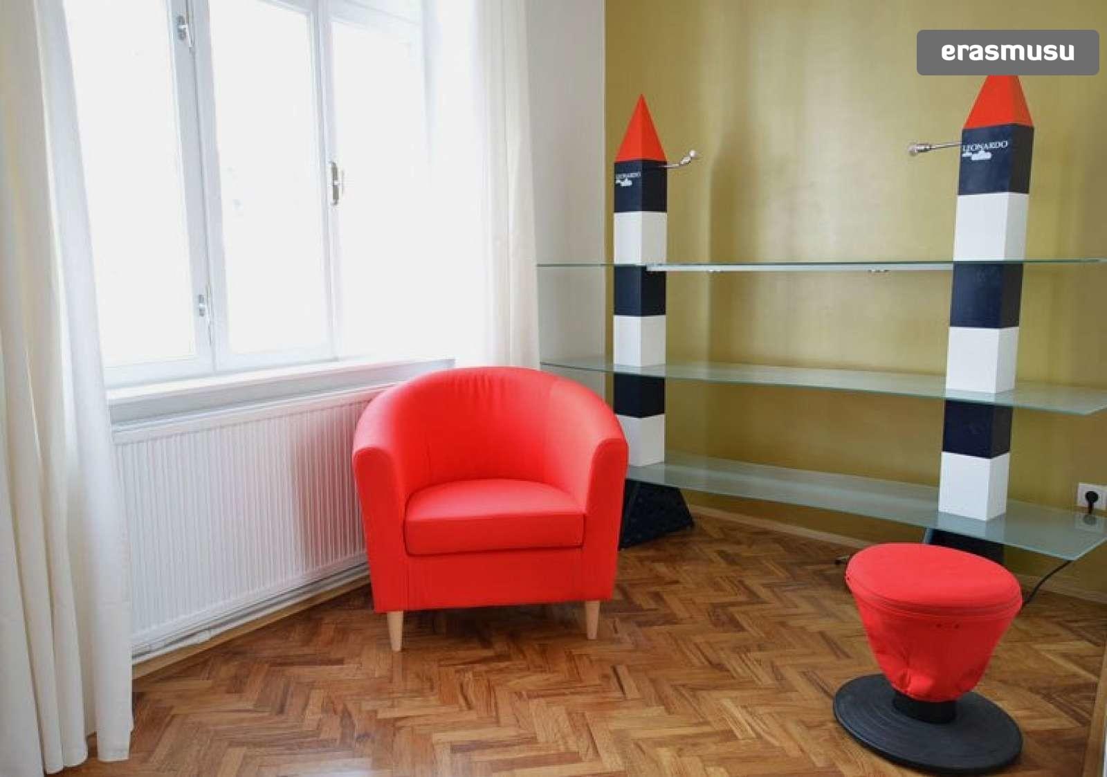 bright-studio-apartment-rent-near-ober-st-veit-u-bahn-station-c2