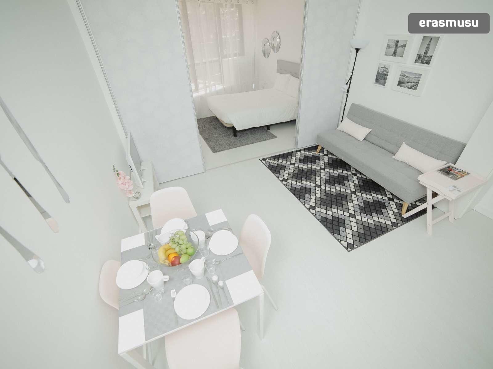 bright-studio-rent-santo-ildefonso-porto-600e3fd16e080f876d28c2a