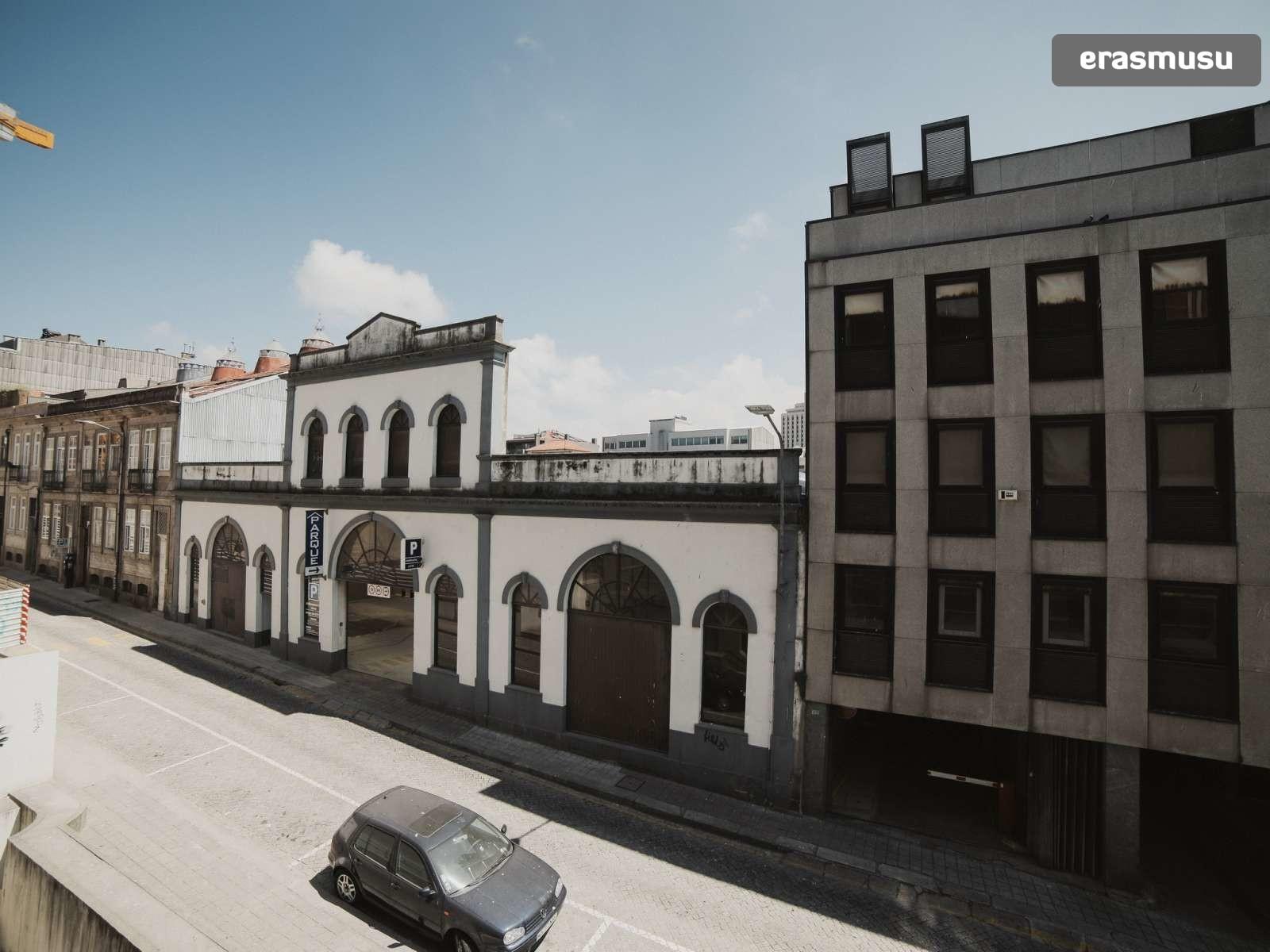 bright-studio-rent-santo-ildefonso-porto-883db08b6e53c4ff20d04e0