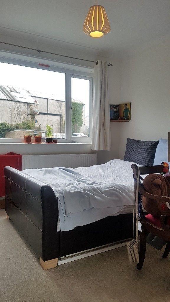 Bright sunny room in Brighton