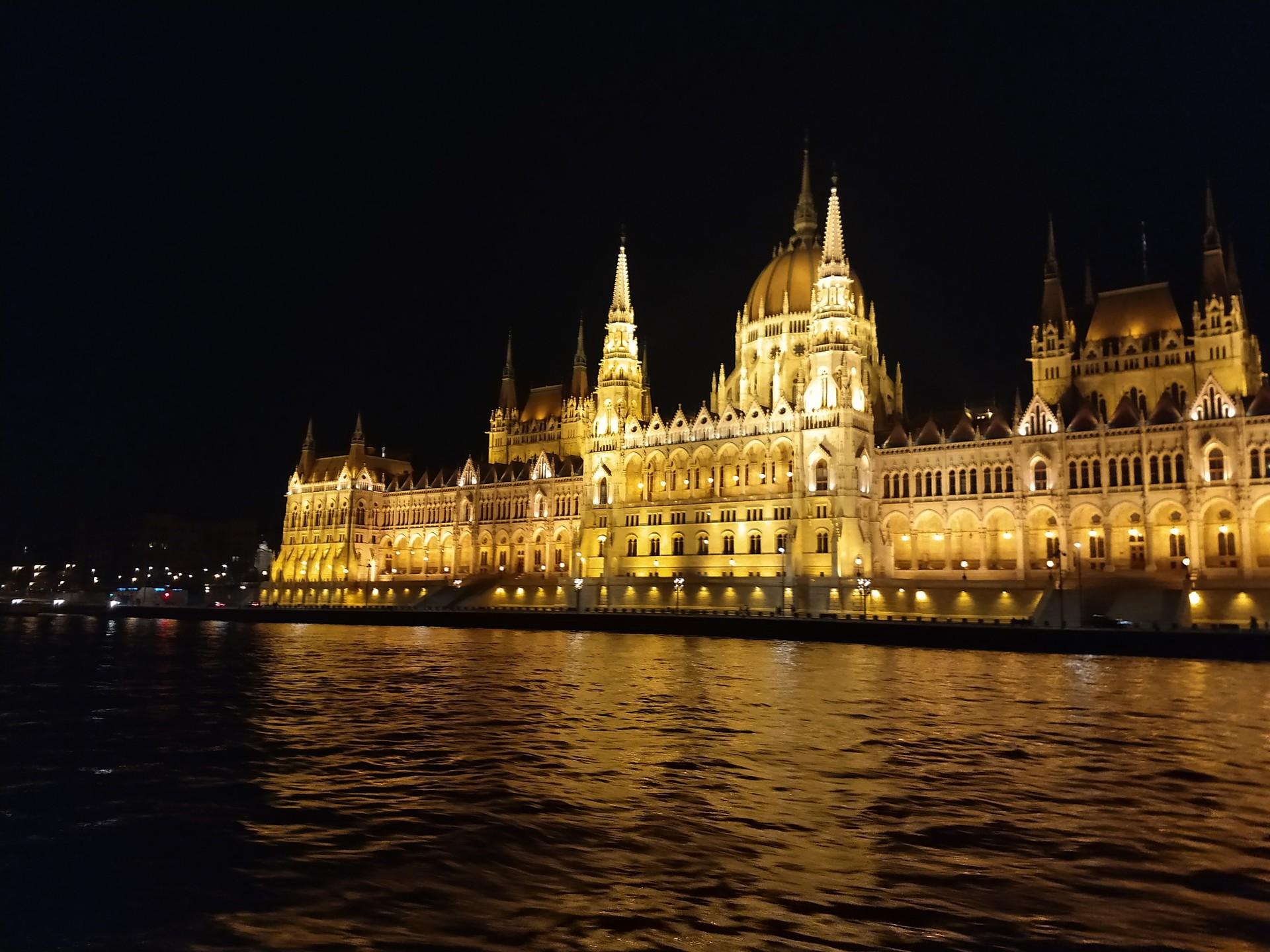 budapest-divertimento-16a83f275783439a61