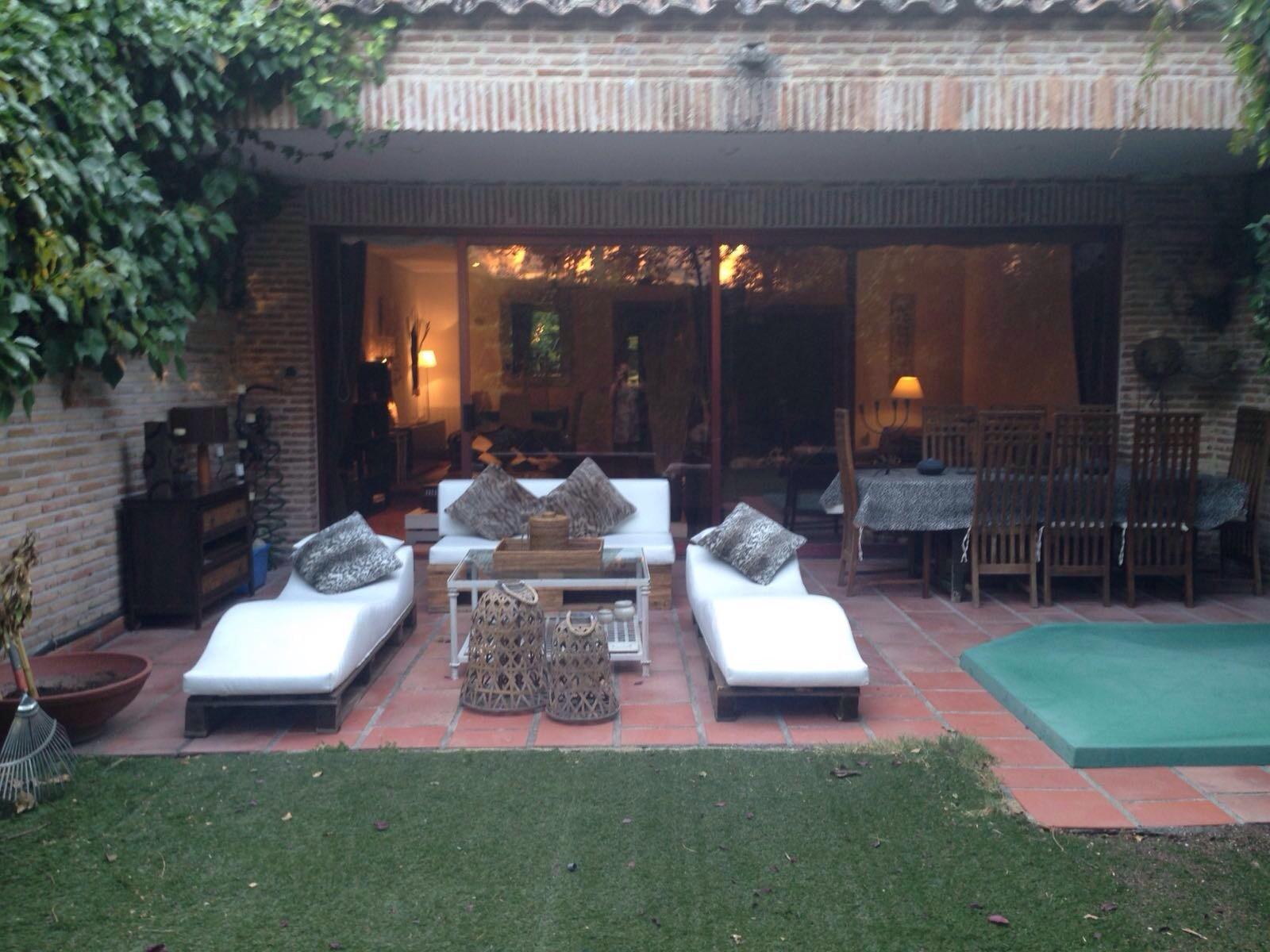 Buhardilla en precioso chalet adosado 3 piezas salon for Piezas ducha
