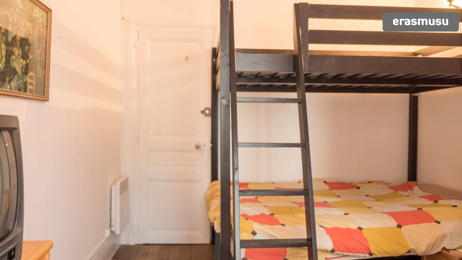 Bunk Beds In Spacious Rooms For Rent In Charming 3 Bedroom Apartment