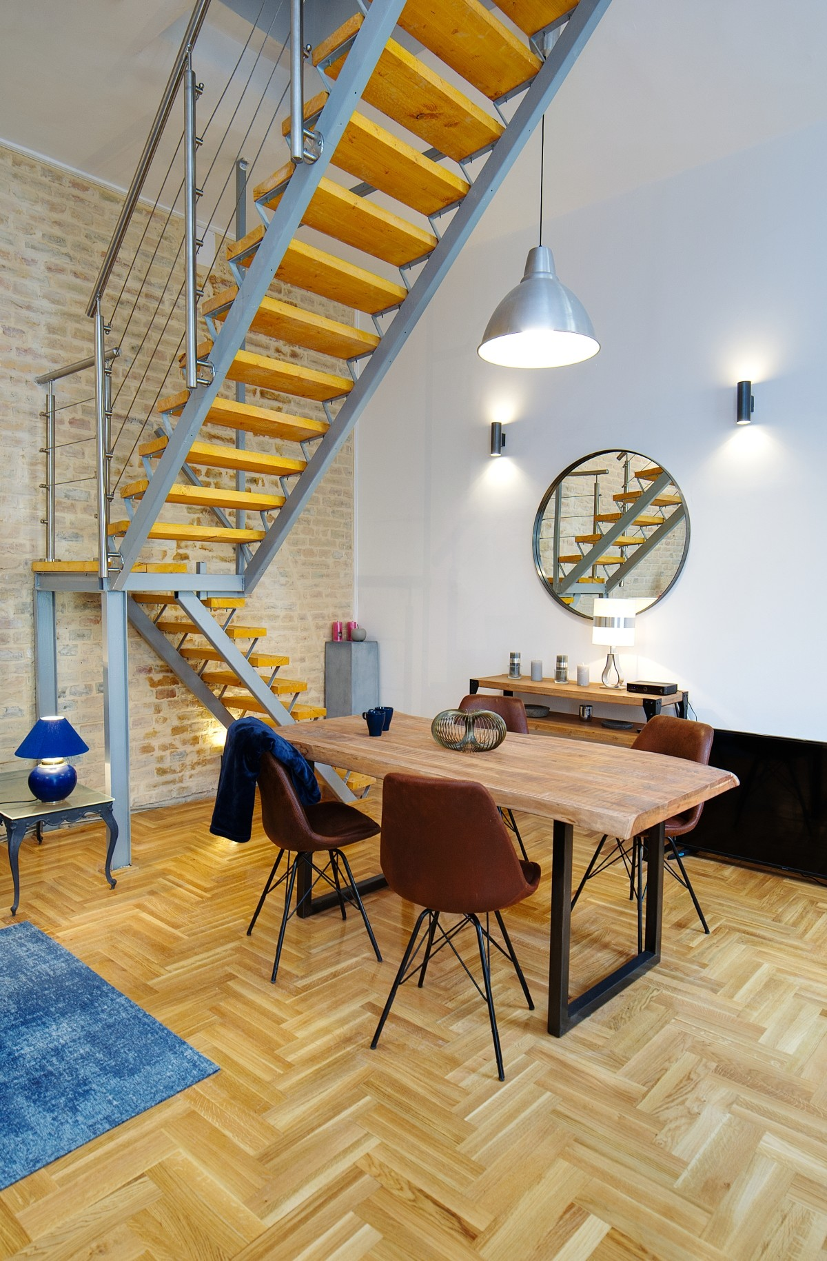 Just Renovated Industrial Chic Style 3 Bedrooms Apartment With Sauna And Ac