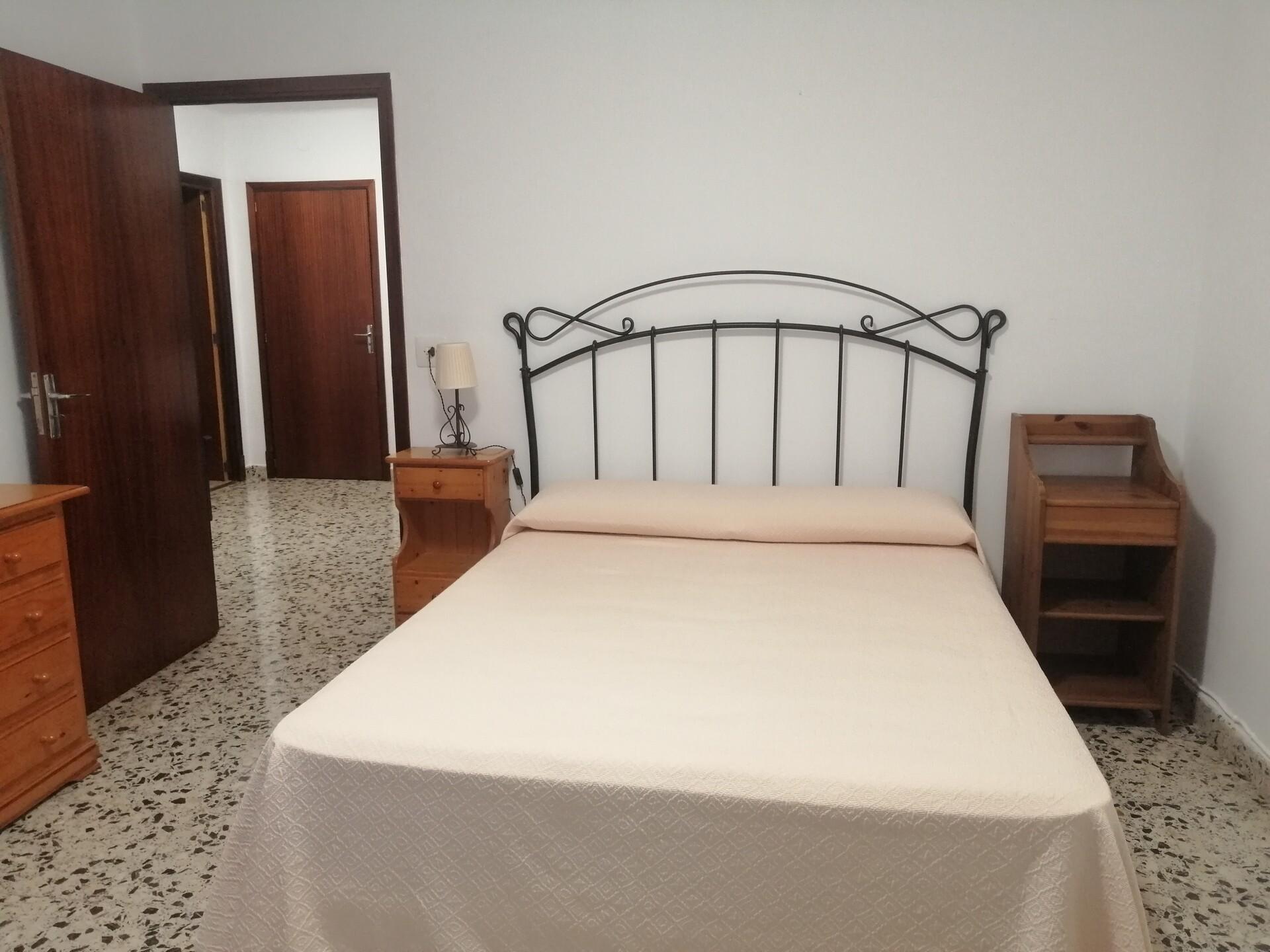 Se alquila amplia y céntrica habitación en Palma