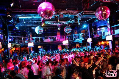 ocho y medio club erasmus party madrid