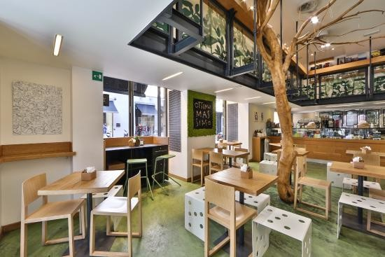Calm and good cafe in the center of Milano