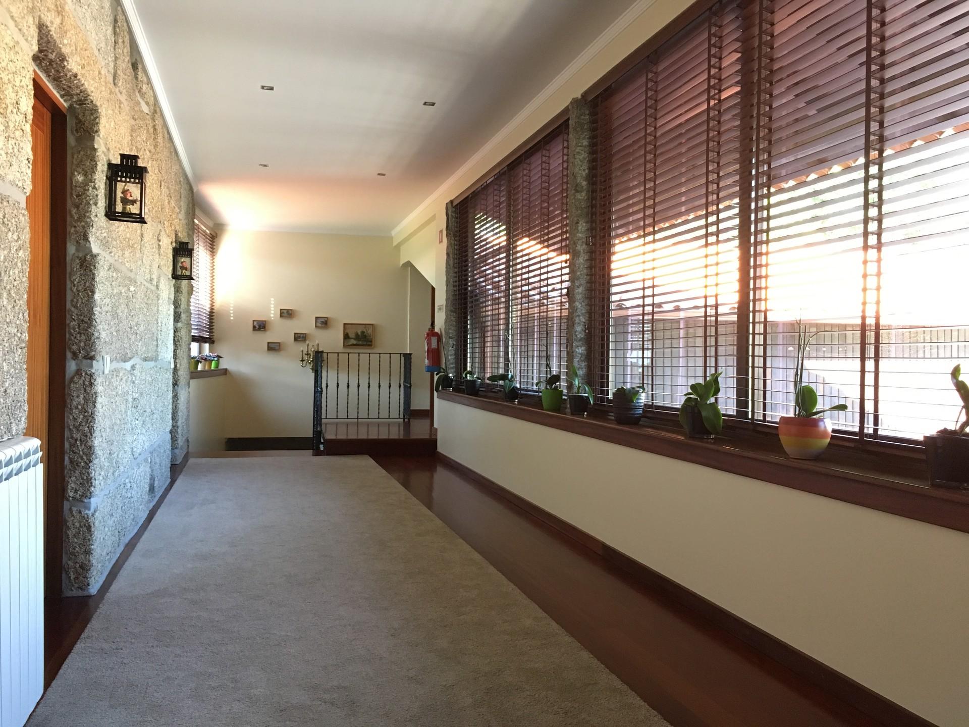 Cama individual en habitación compartida