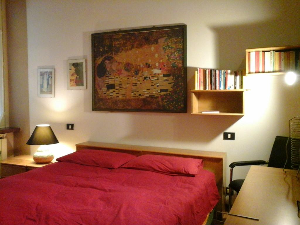 amplia e confortevole camera condivisa in appartamento