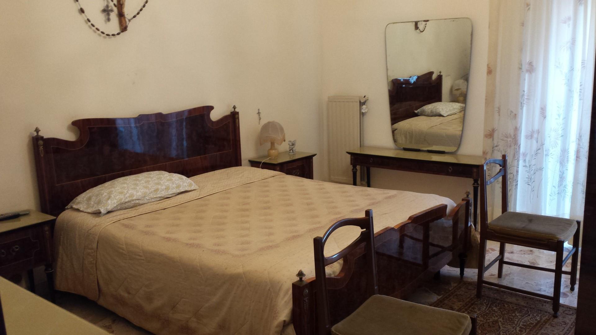 Zimmer in 2er-WG in Messina nur für Frauen und mit Aufzug