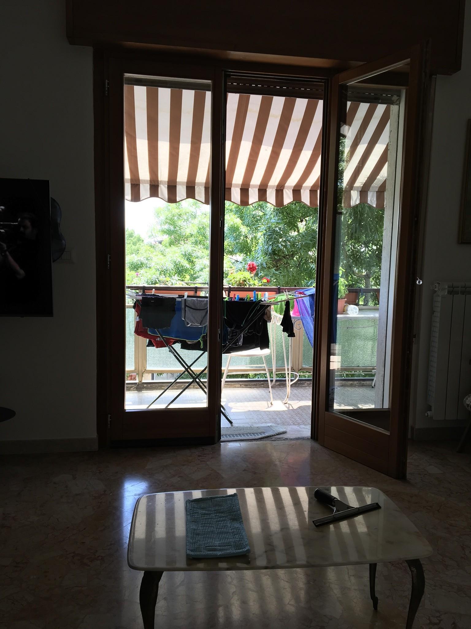 Camera in appartamento signorile