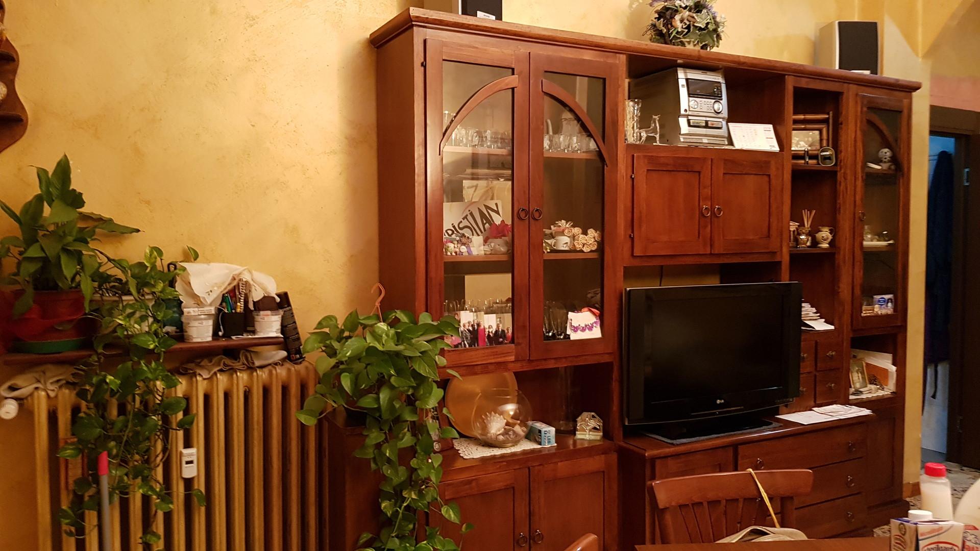 camera-letto-in-appartamento-completa-tutti-i-confort-da3bf50dab32e087430cfa35697b66f8