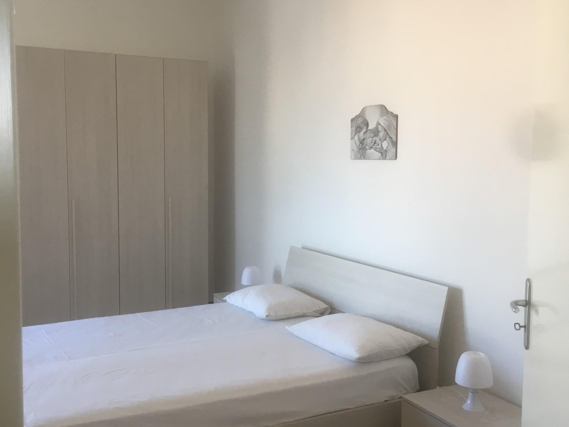 Camera Matrimoniale Per Uso Singolo.Camera Matrimoniale Uso Singola Per Donna Stanze In Affitto Lecce