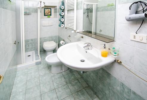 Camera singola con bagno, Roma centro - zona Prati \